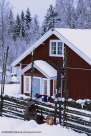 Skidor på gärdesgård Dalarna