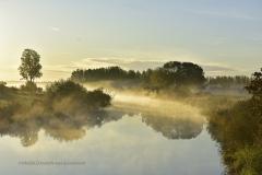 D6523-19 Morgondimma över Hjälmare kanal